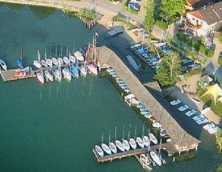 Steiner Nautic ist ein Unternehmen, das auf Qualität setzt: in der Wassersport-Ausbildung, dem Bootsbauhandwerk und der KundInnenbetreuung © Steiner Nautic