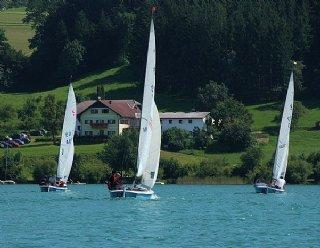 """14-tägig finden in den Sommermonaten organisierte """"Mittwochsregatten"""" am Mattsee statt © Steiner Nautic"""