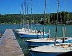 Unsere Segelboote: Die Zugvögel der Segelschule Mattsee