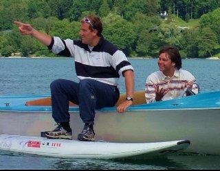 Bei großen Gruppen wird stets darauf geachtet, genügend Segel- bzw. SurflehrerInnen an Ihre Seite zu stellen © Steiner Nautic