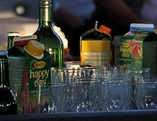 """Lassen Sie sich rundum verwöhnen und bestellen Sie ein Catering für sich und Ihre Gäste auf der """"Seenland"""" - ortsansässige Betriebe liefern direkt © Steiner Nautic"""