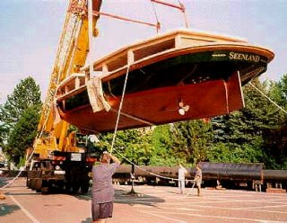 """Die einzigartige Bauweise der """"Seenland"""" macht Sie zum idealen Linienschiff auf den Trumer Seen! © Steiner Nautic"""