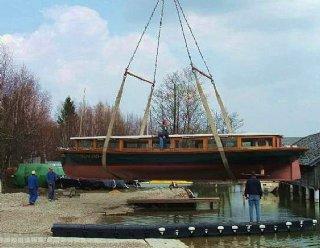 1998 wurde das elektrisch betriebene Rundfahrtschiff STEINER Seenland in der Bootswerft Steiner Nautic fertiggestellt. © Steiner Nautic