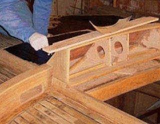 Wir renovieren auch Ihr ganzes Boot: Abschleifen, Lackieren, Antifouling, Ersatzteile, Motorservice etc. © Steiner Nautic