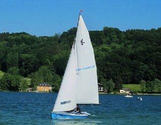 Die Pauschalangebote am Mattsee: Wir organisieren Ihnen eine Unterkunft und Wassersportkurse nach Ihren Wünschen! © Steiner Nautic