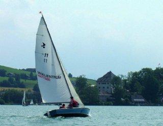 Unabhängig vom Wetter kann bereits am ersten Tag der Mattsee per Segelboot erkundet werden © Steiner Nautic