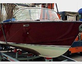 Umrüstung des Holz-Oldtimers BOESCH 580 auf einen 50 kW - Elektromotor - Steiner Nautic rüstet auch Ihr Boot um! © Steiner Nautic