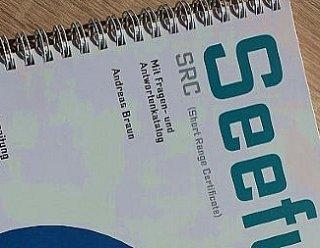 Kursmaterialien sind beim SRC deutsch von Steiner Nautic in den Kursgebühren enthalten © Steiner Nautic
