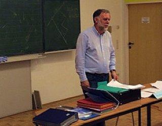 So sind Sie bestens informiert: Einmal im Jahr veranstaltet Hermann Steiner als Kursleiter der Theoriekurse einen Informationsabend in Salzburg © Steiner Nautic