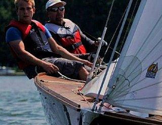 Spüren Sie den Wind in den Segeln? - Lernen Sie das Segeln von der Pieke auf in Segelkursen bei Steiner Nautic in Mattsee