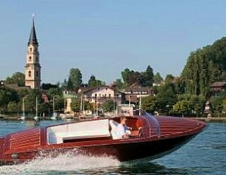 Aber nicht nur Segeln macht Laune! - Erwerben Sie sich Kenntnisse über das Führen von Motorbooten auf Binnengewässern unter 10 m Länge
