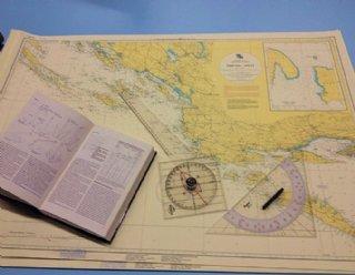 In den Winter-Theoriekursen von Steiner Nautic bieten wir theoretische Hochsee-Segelkurse, Navigations- und Motorbootkurse © Steiner Nautic