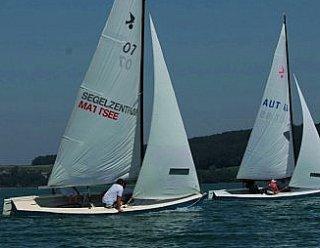 esten Sie Ihre Wettkampftauglichkeit und nehmen Sie an Segel-Regatten am Mattsee teil! © Steiner Nautic